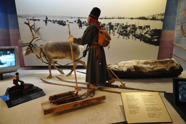 Muzeum Samów w JokkMokk - nieocenione źródło wiedzy o zwyczajach i historii tego ludu hodowców reniferów.